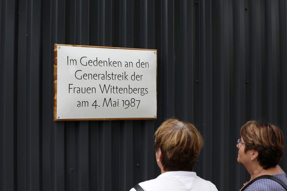 Memorial plaque in public space, The forgotten mobilization, 2017